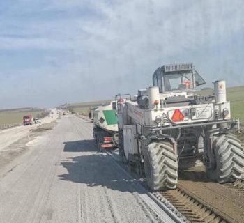 Снимка на работа с водоноска на магистрала